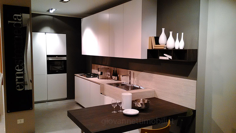 Offerta outlet cucina ernestomeda one 80 sconto 40 for Cucine ernestomeda outlet